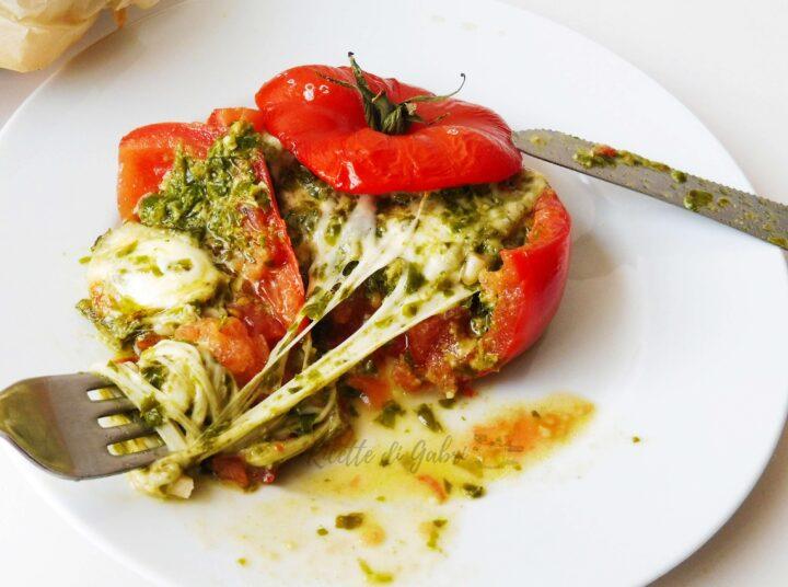 pomodori ripieni di mozzarella e pesto cuore filante ricetta facile gabri