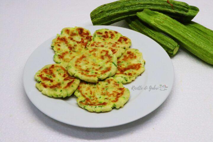 focaccine in padella di zucchine e ricotta senza lievito facili e veloci gabri