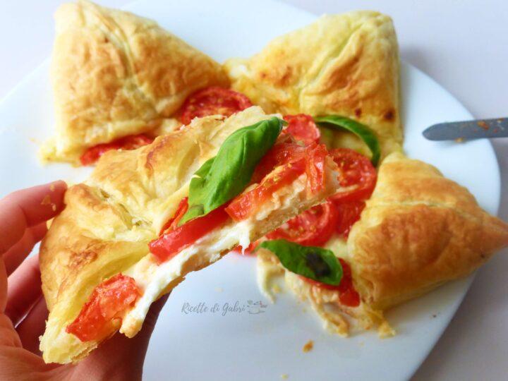 torta salata stella di pasta sfoglia idee menu natale capodanno antipasto facile veloce